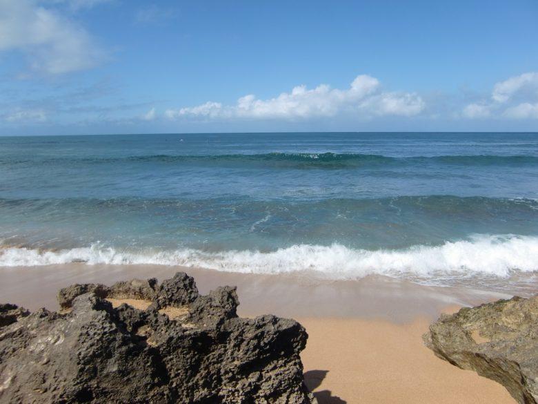 ハレイワビーチの右側