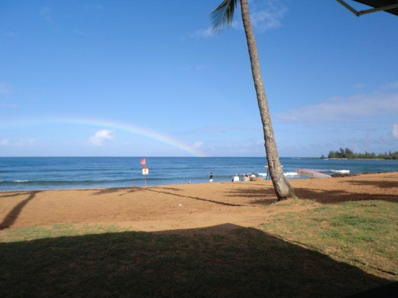 ハレイワビーチパークの虹
