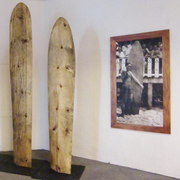 ロイヤルハワイアンに飾ってあるアライアサーフボード