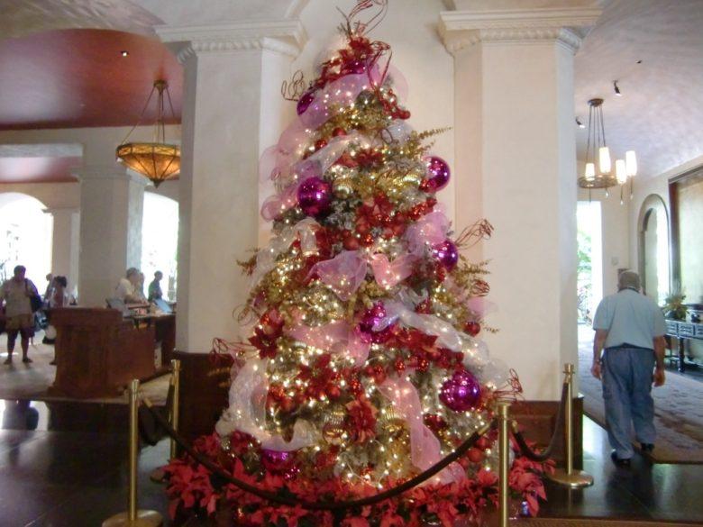 ロイヤルハワイアンクリスマスツリー